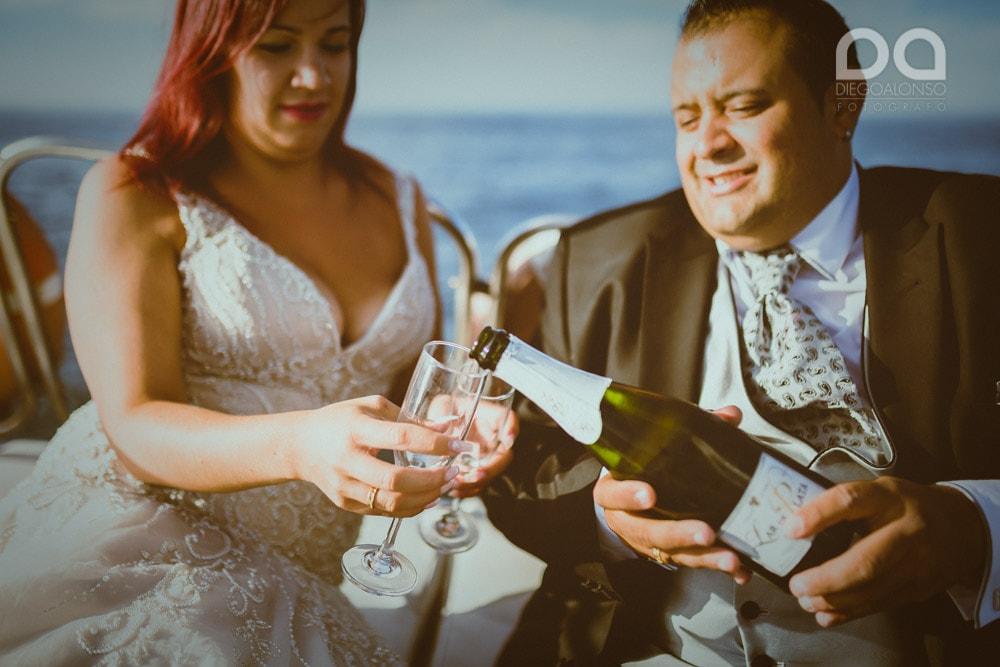 Una postboda en yate de lujo por la Costa da Morte: Laura & Adrián 15