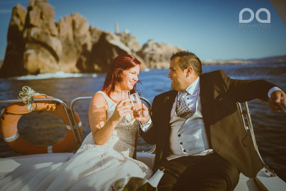 Postboda en yate de lujo por la Costa da Morte