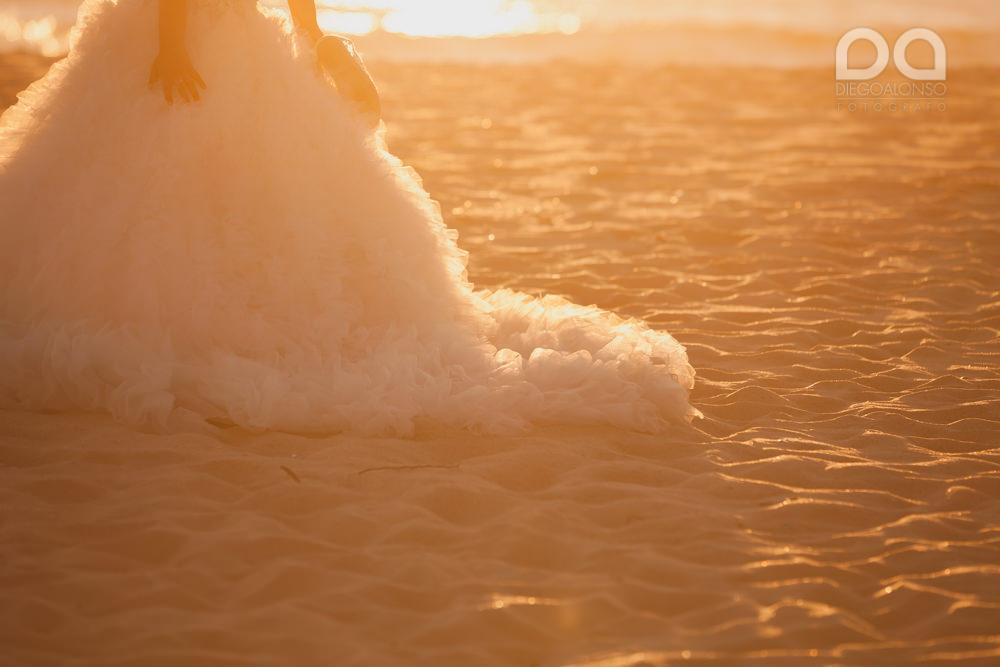 Postboda en la playa de Rostro en Fisterra de Carolina y Pablo 11