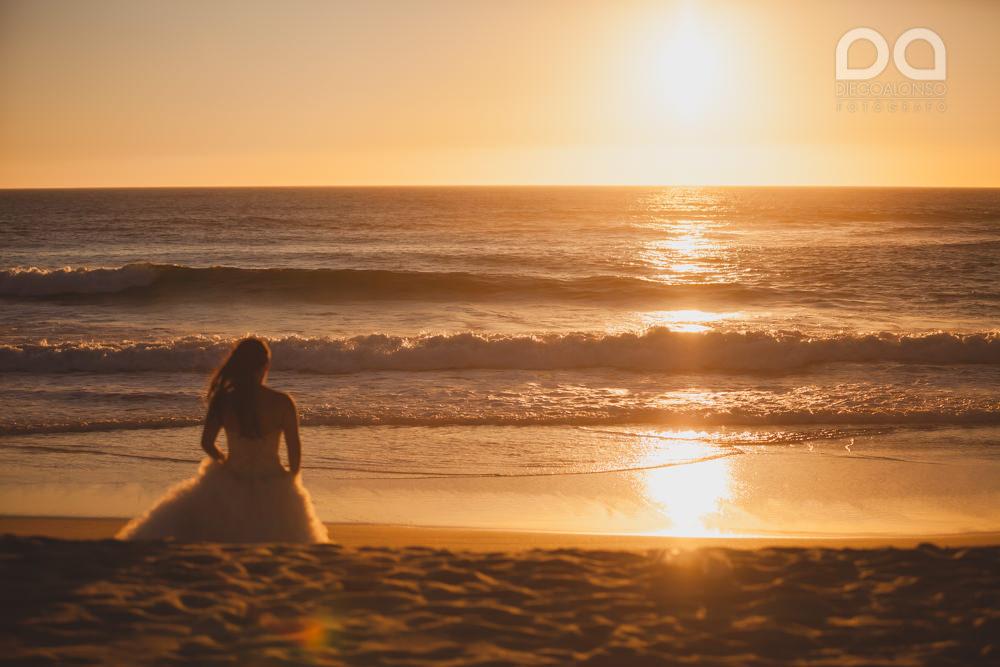 Postboda en la playa de Rostro en Fisterra de Carolina y Pablo 12