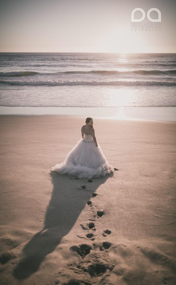 Postboda en la playa de Rostro en Fisterra de Carolina y Pablo 15