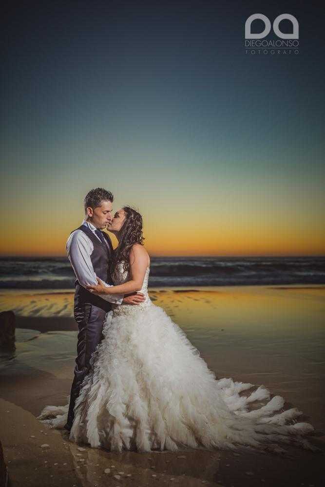Postboda en la playa de Rostro en Fisterra de Carolina y Pablo 27