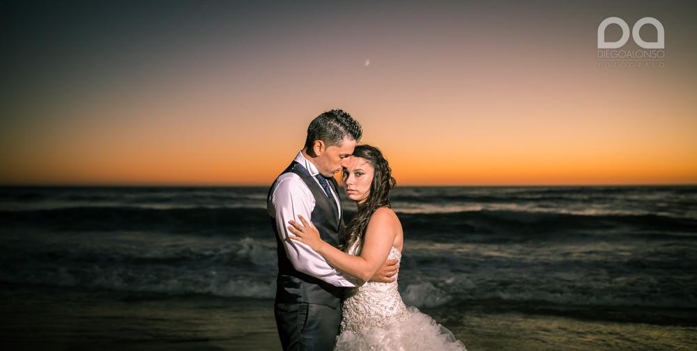 Postboda en la playa de Rostro en Fisterra de Carolina y Pablo 34