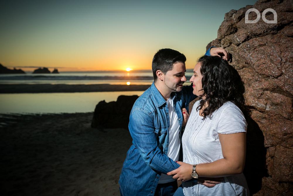 La preboda en familia de Brenda y Víctor en la playa de Reira 10