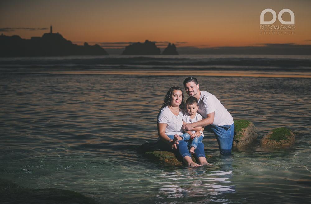 La preboda en familia de Brenda y Víctor en la playa de Reira 32