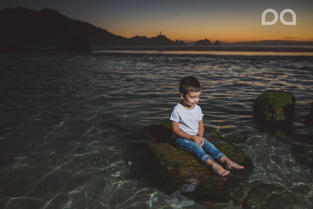 La preboda en familia de Brenda y Víctor en la playa de Reira 35
