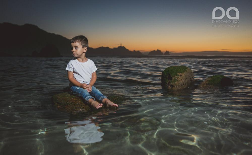 La preboda en familia de Brenda y Víctor en la playa de Reira 36