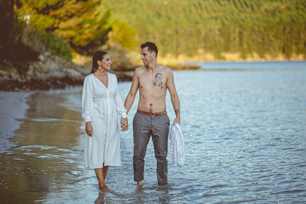 Preboda en la playa de Lingunde de Belén y Jesús